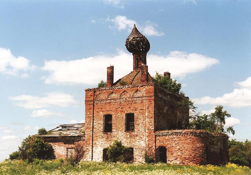 Рождественская церковь в селе Високо Ярославской области