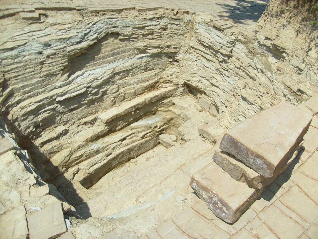 холмы древние пирамиды sibved