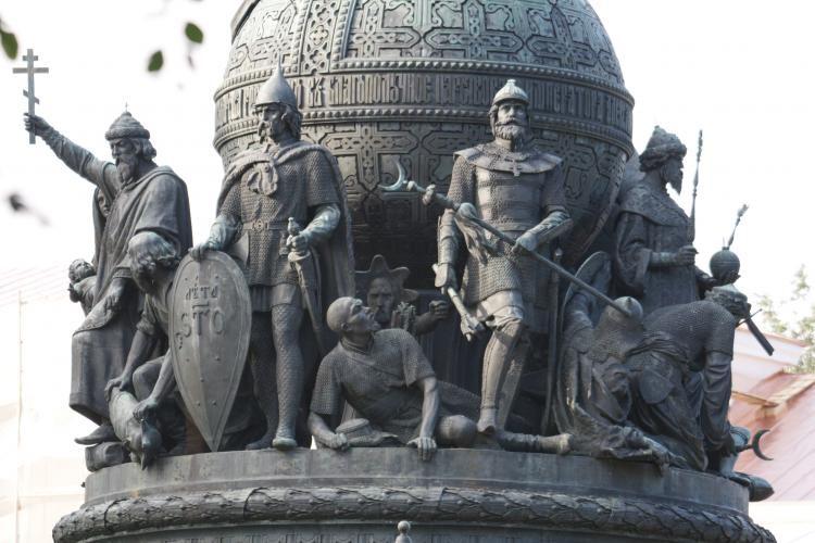 Тысячелетие Руси. Загадка: - где на памятнике Велес?