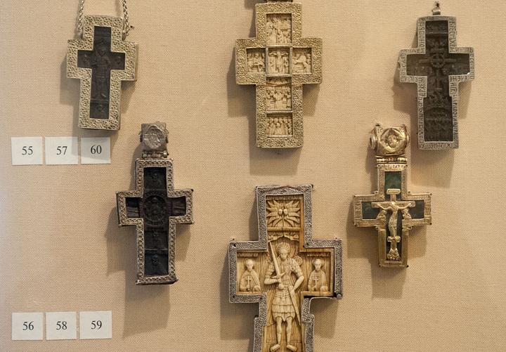 Наперсные кресты.