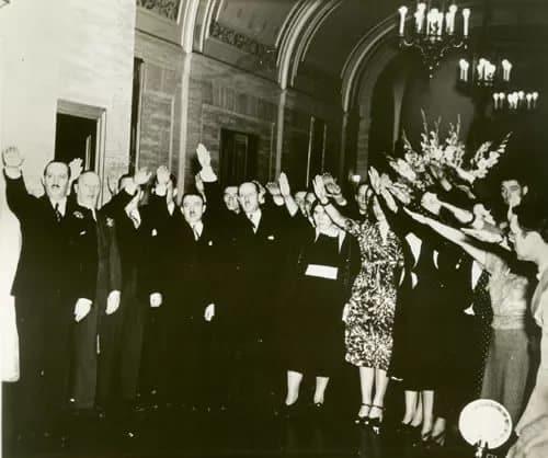 парад Бунда в Нью-Йорке 1937