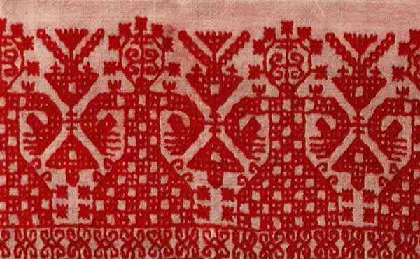 Полотенце. Деталь вышивки. Конец XIX в. Новгородская губерния, Устюженский уезд. Двустороннее шитье.