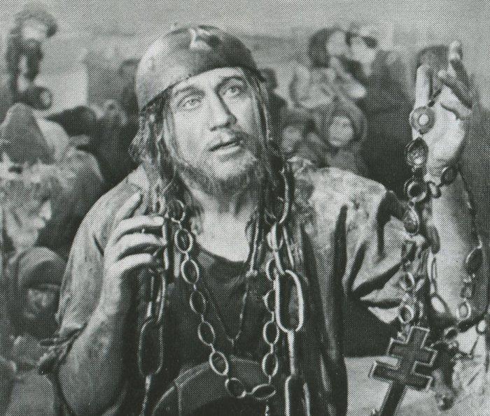 Юродивый — И. С. Козловский. Кадр из фильма-оперы «Борис Годунов», 1955 год