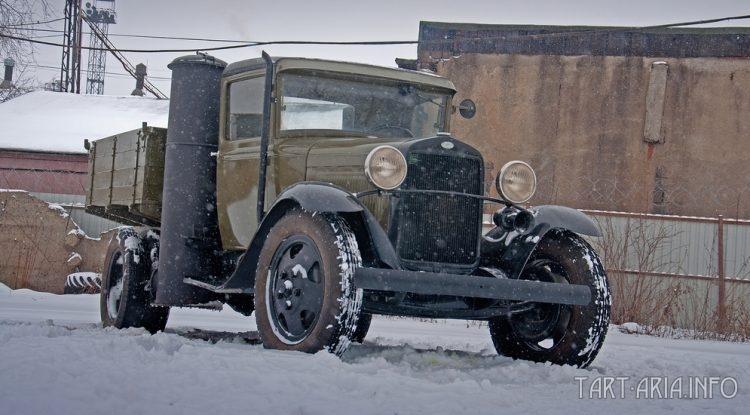 Газ-АА 1939 г.в. с газогенераторной установкой. Фото с сайта «Колёса.Ру» https://www.kolesa.ru