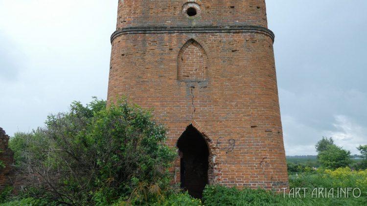 """Сабуровская крепость. Западная башня """"Карандаш"""""""