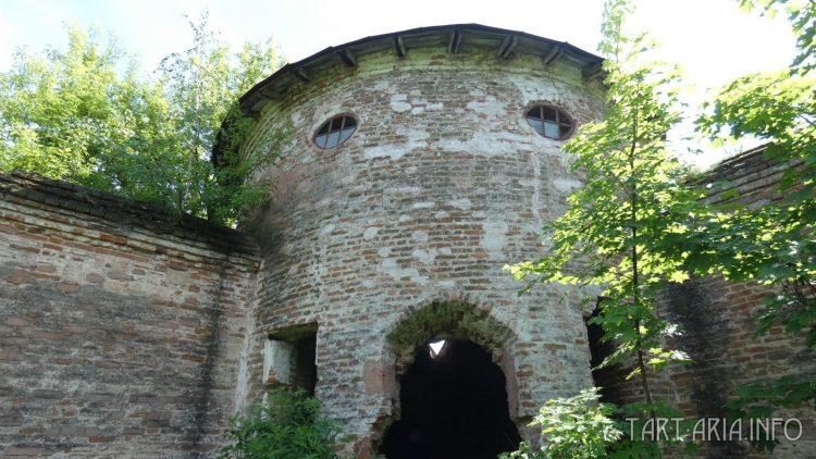 Сабуровская крепость. Южная угловая башня