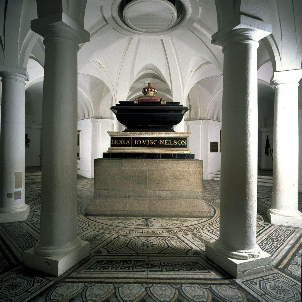 Гробница лорда Горацио Нельсона. Крипта собора Святого Павла, Лондон.